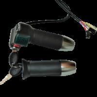 Ручка газа (целая) с вольтметром и ключом и кнопкой.